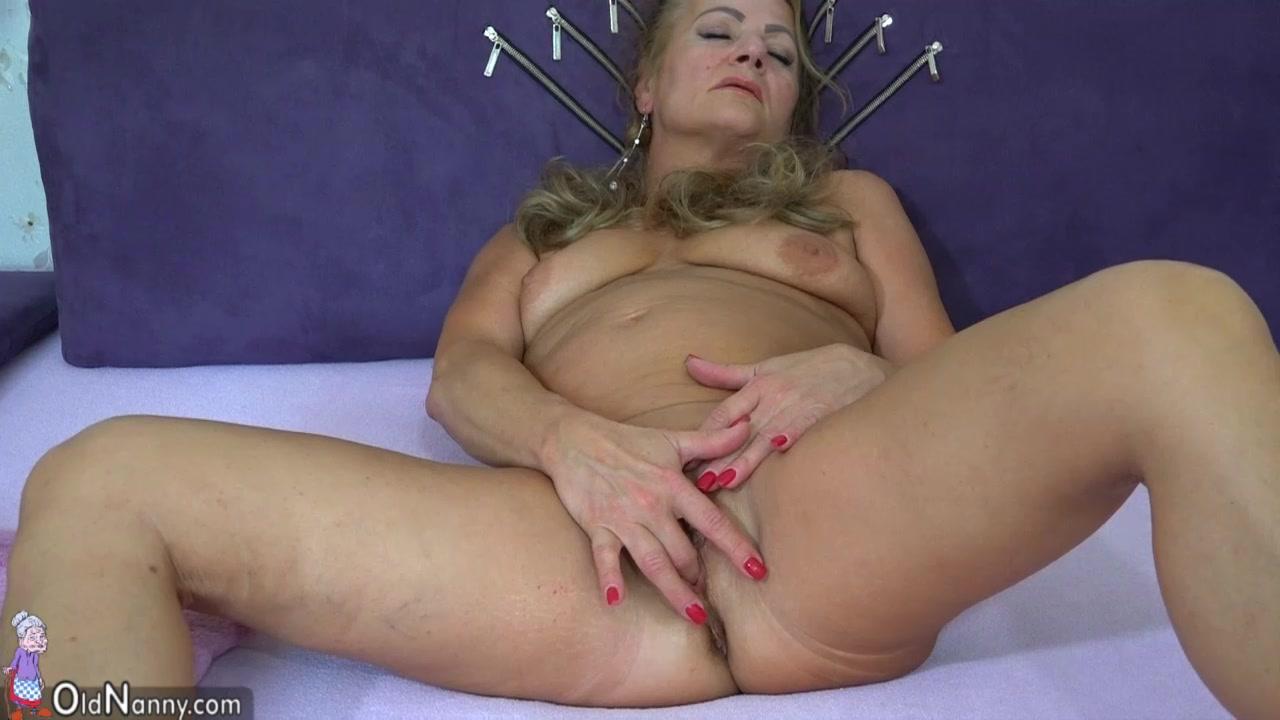 Porno fuckd Piercings lesbia