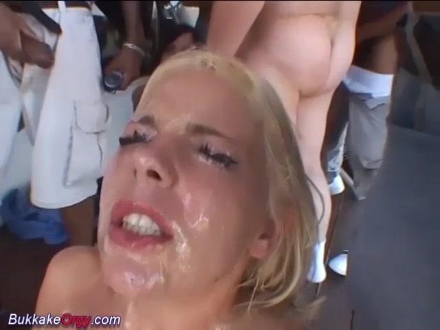 Adult videos Women deepthroating dick