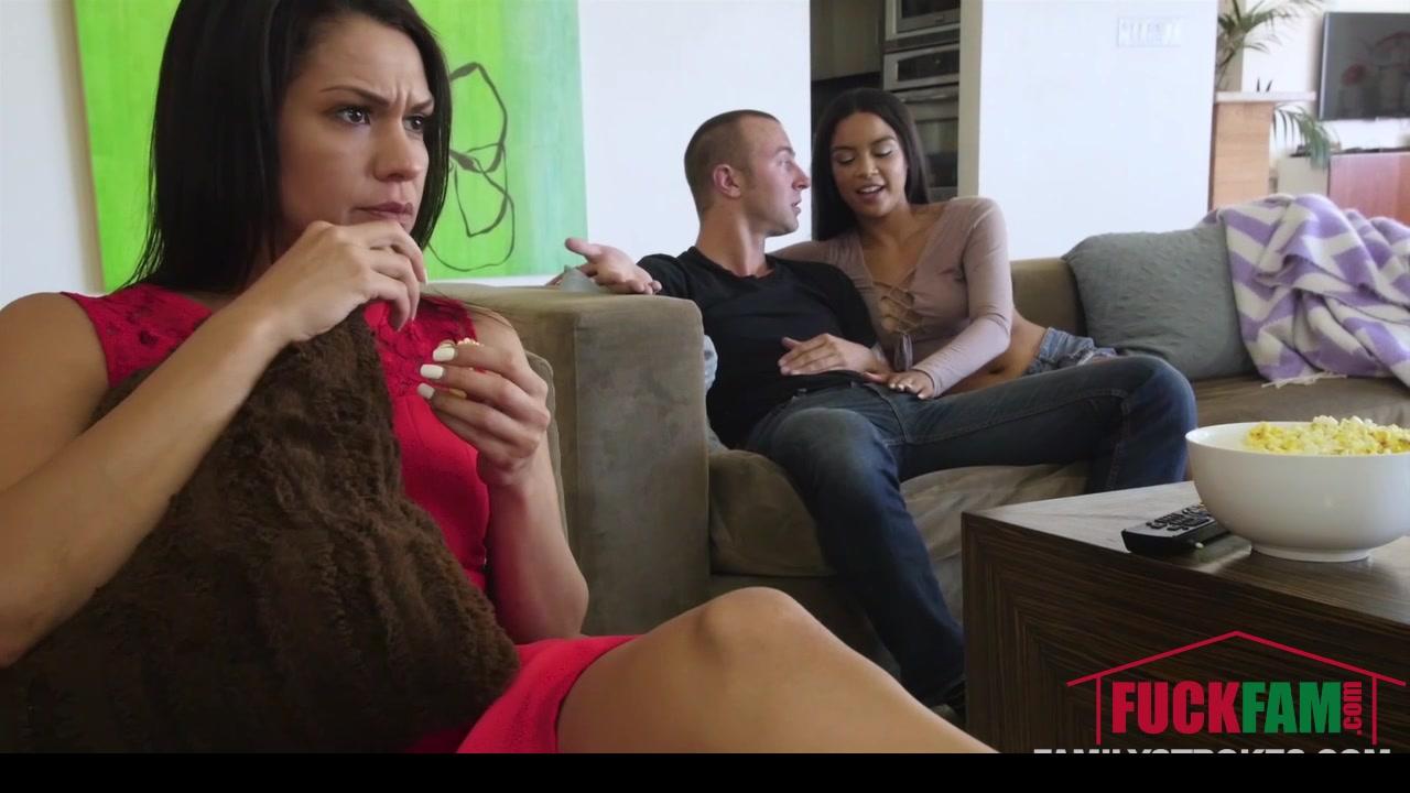 Girls lick girls feet Sex photo