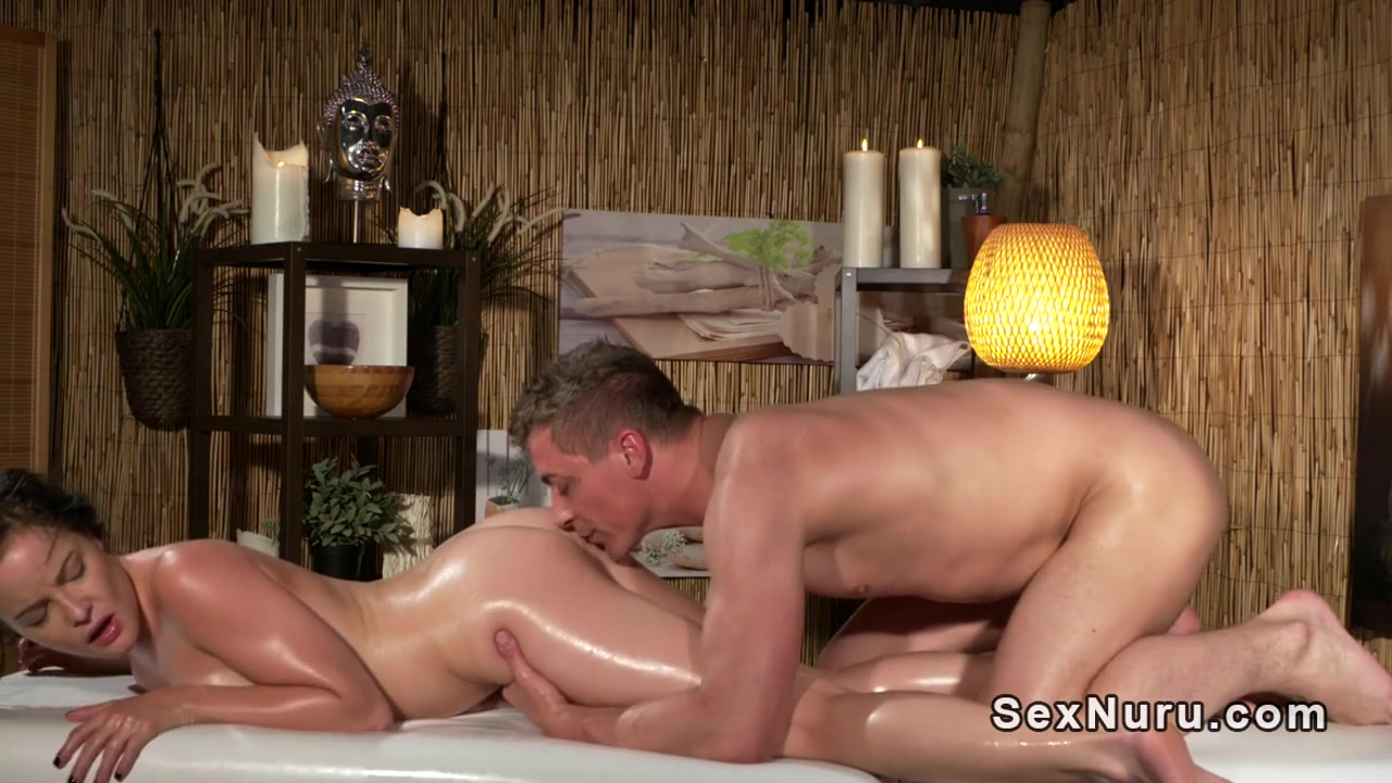 Porn pic Big british boobs porn