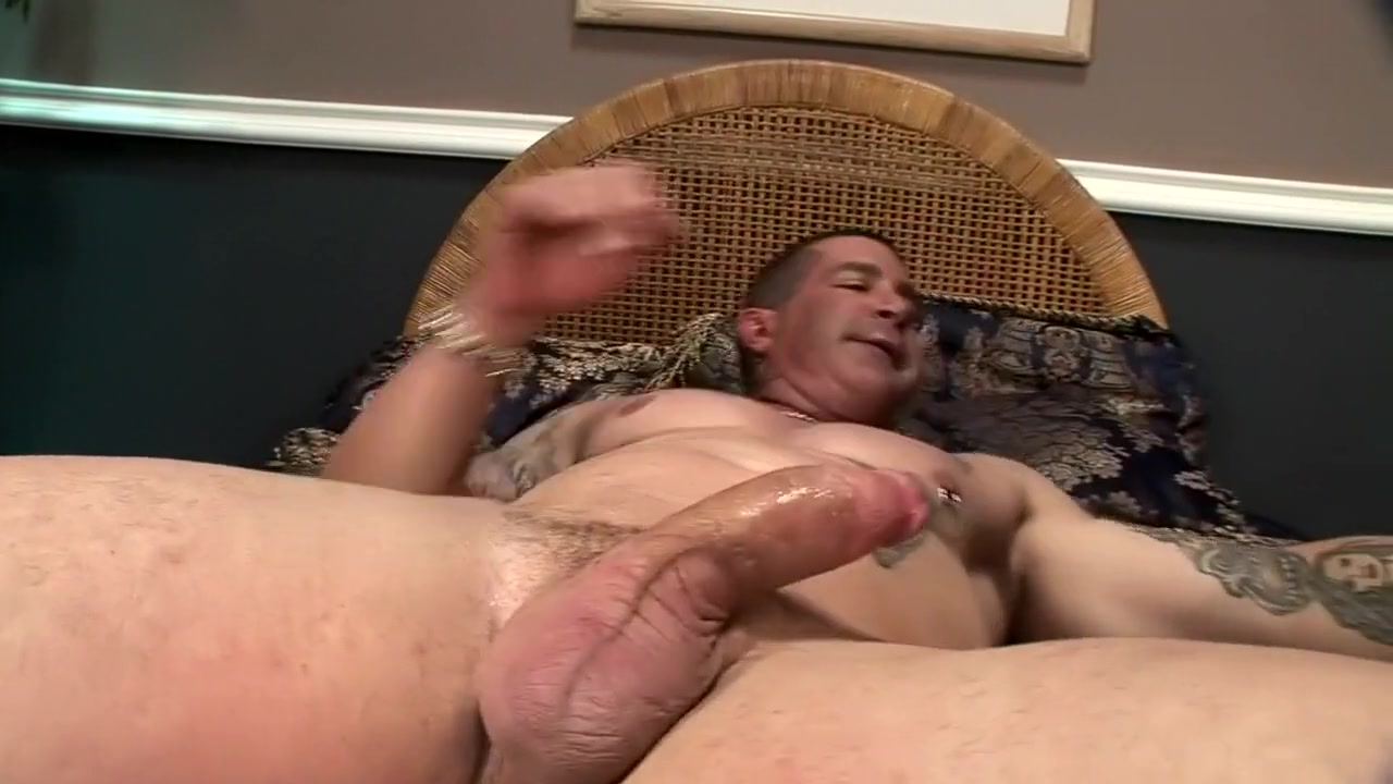 Sexy Galleries She male blowjob