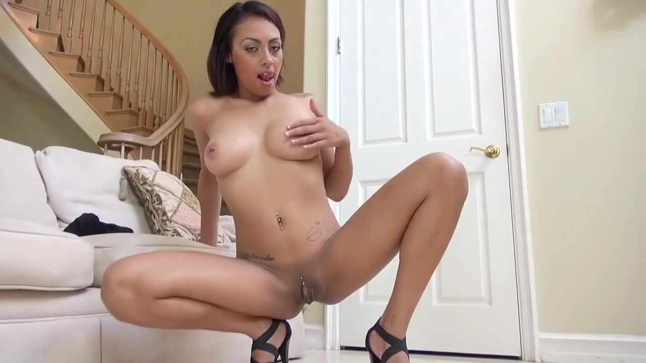Mariah carey big cleavage Porno photo