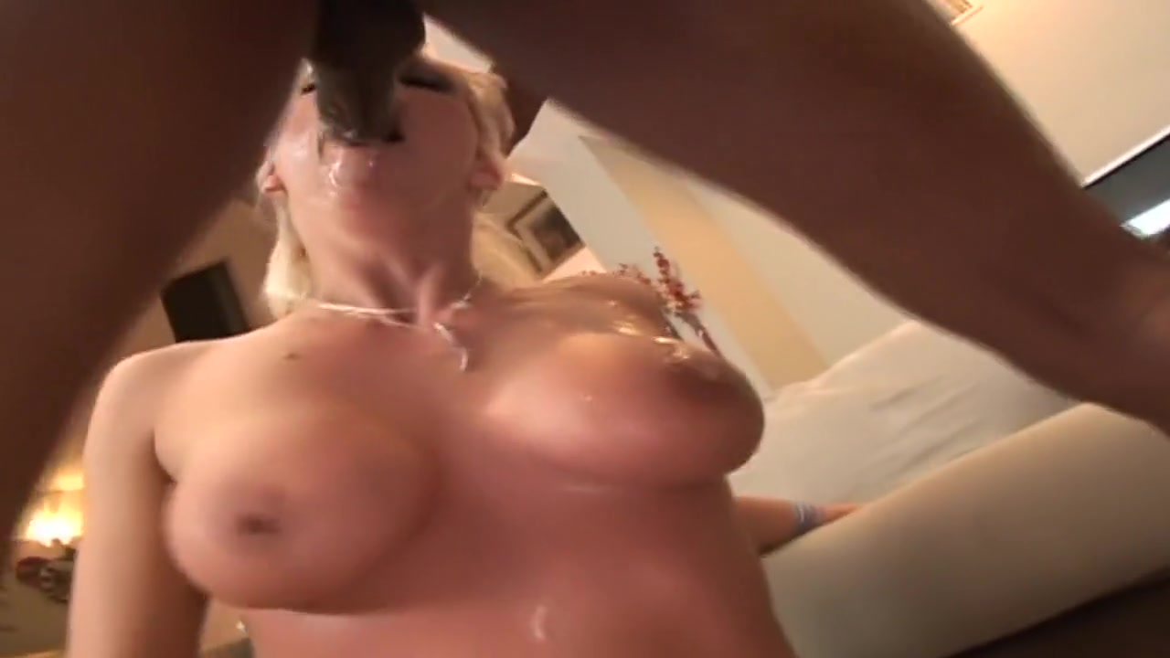XXX Video Busty merilyn blowjob