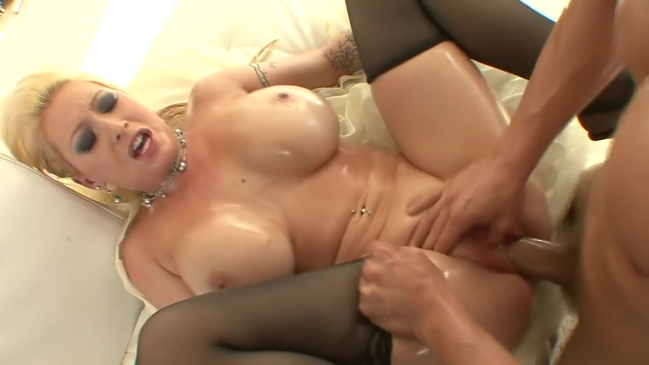 xXx Photo Galleries Granny gets monster cock