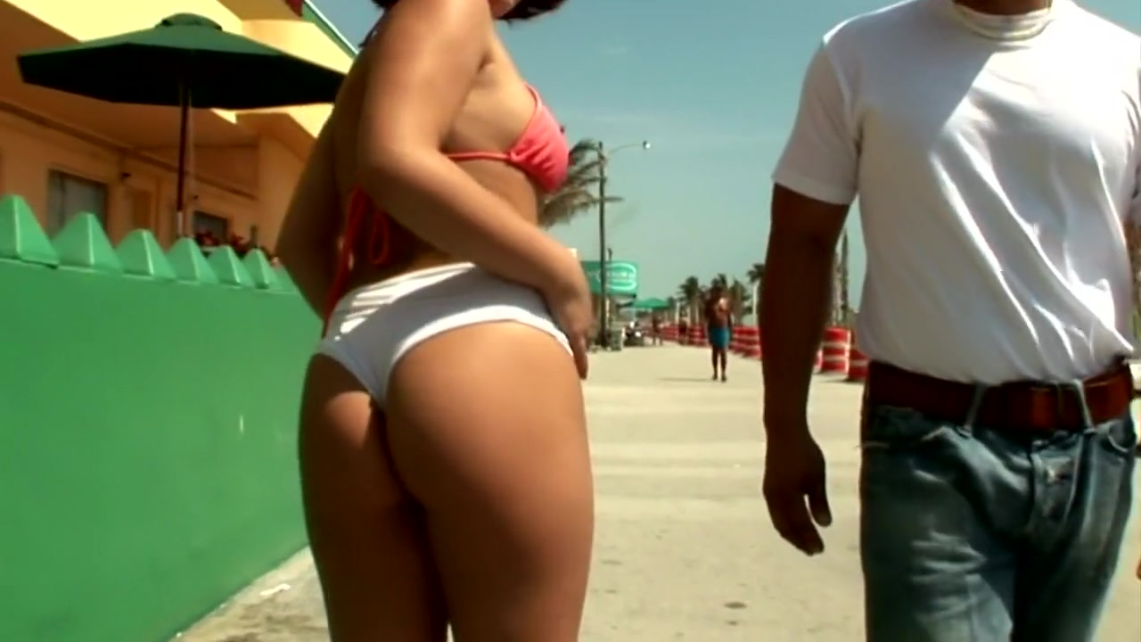 Nude 18+ Huge latina booty porn