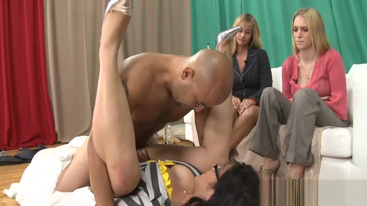 Bikini girl gives a head Hot female orgasm movies
