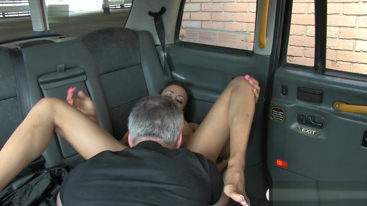 Taxi driver get lucky with big tits babe and fucks her good Luxury gifts for men who have everything