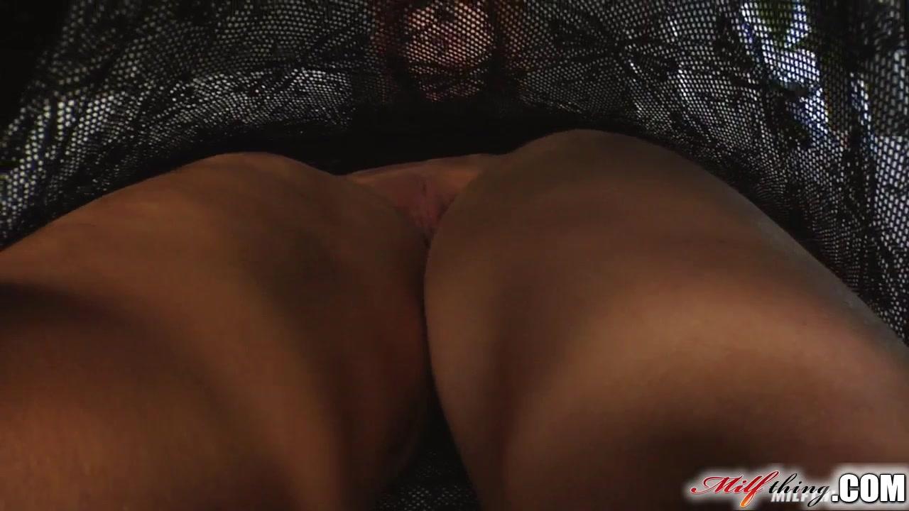 Www bathroom porn Naked FuckBook