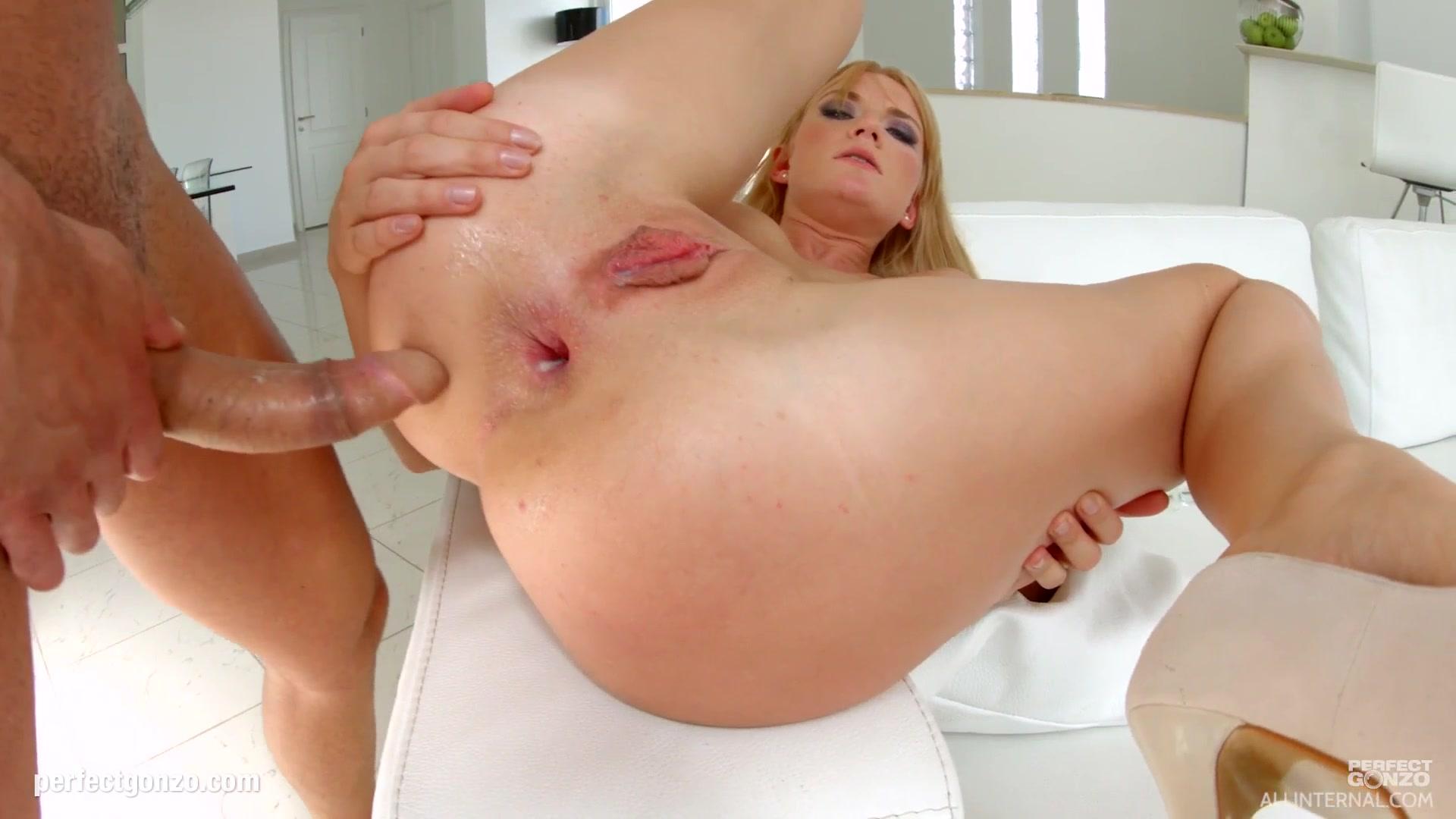 Naked 18+ Gallery Big breast videos com