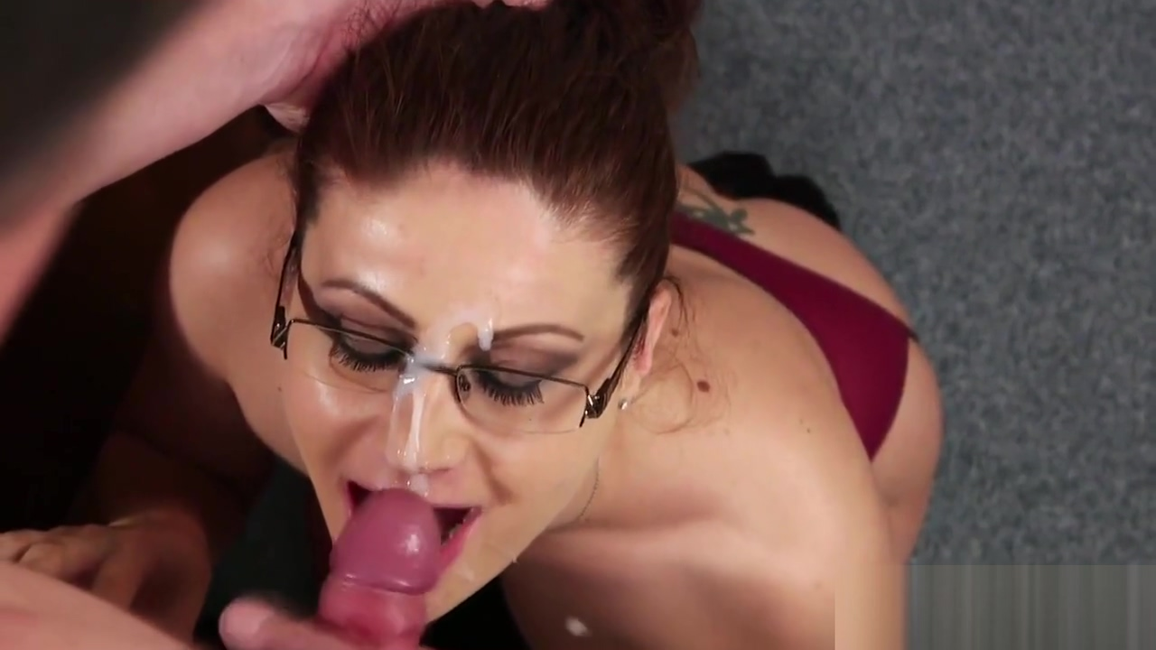 Foxy looker gets jizz shot on her face eating all the jizz Large natural granny tits