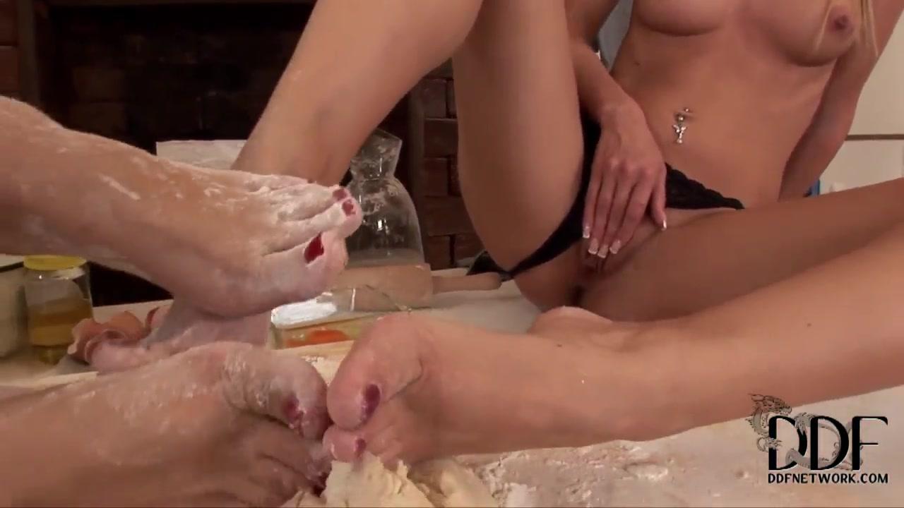 Lesbios masturbatian Latinas fuckk