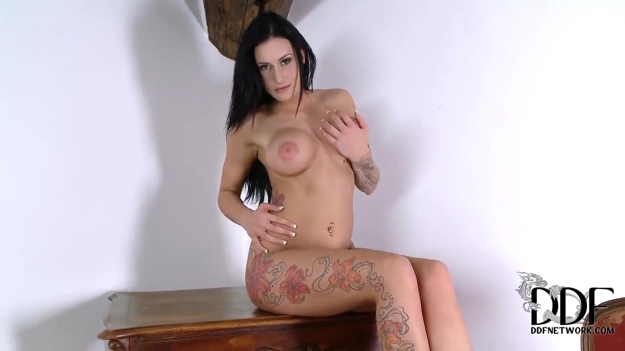 Hot xXx Pics Take your boobs out
