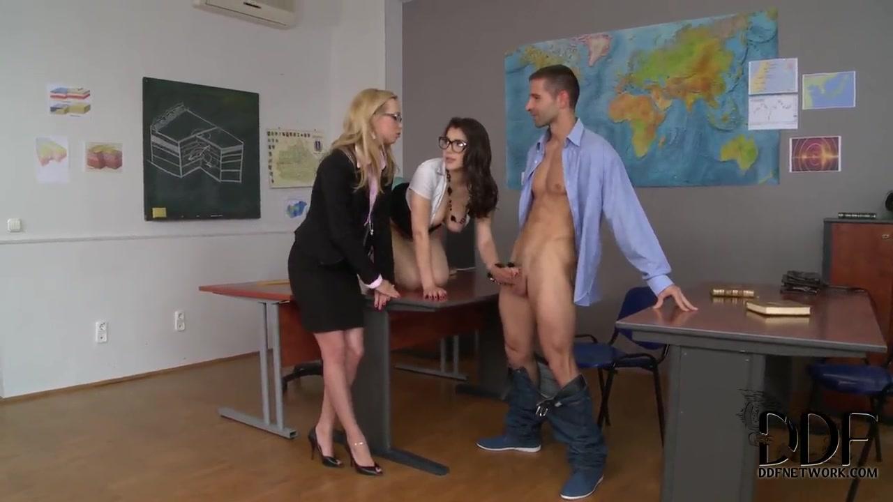 sunshyne monroe shemale threesome porn Porn Base