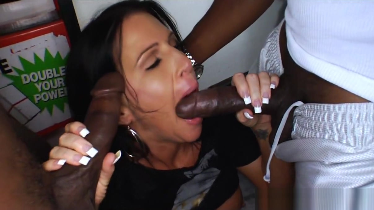 Mom fucked by 3 black movers Dick pic porn homemade