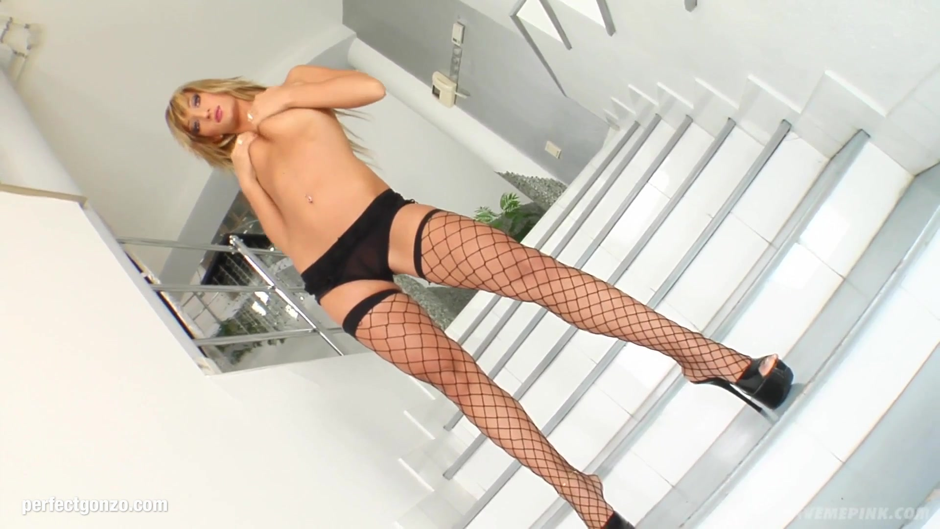 Naked FuckBook Fejvadaszok online dating