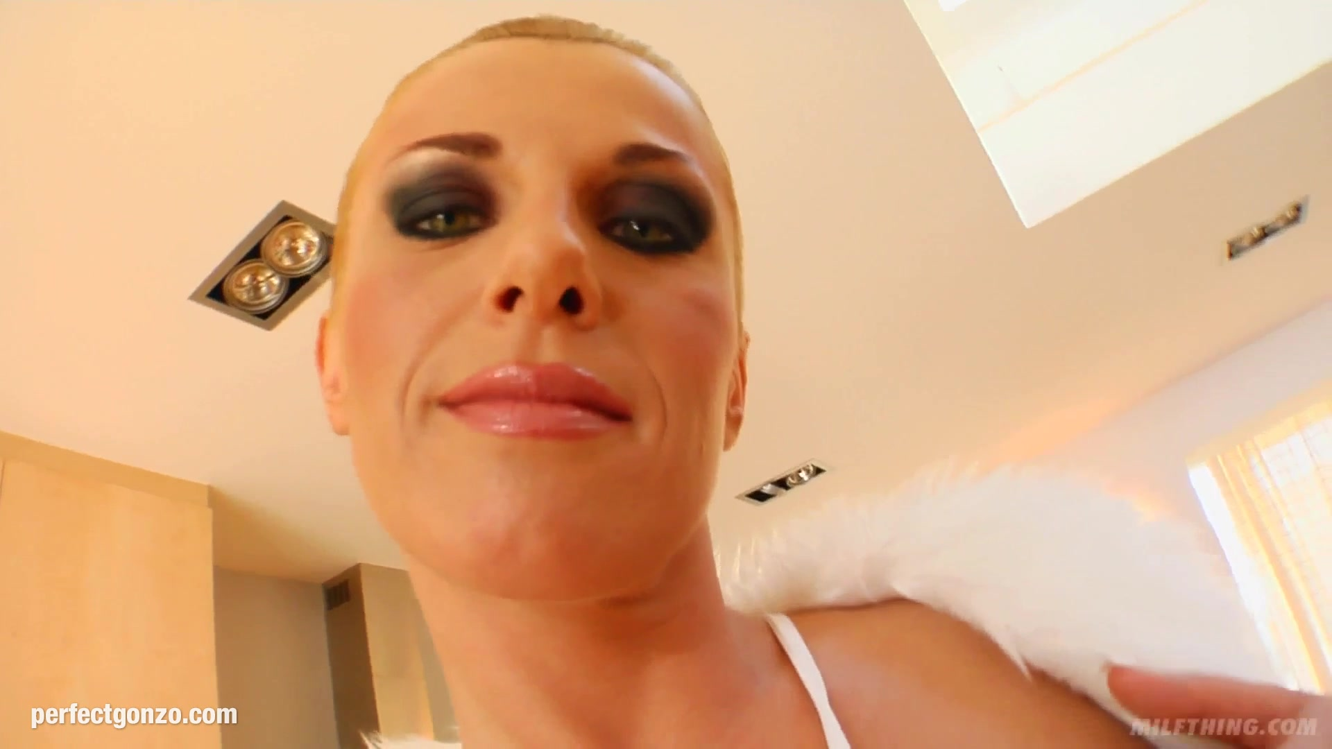 Marisha ray matthew mercer dating sites Porn Pics & Movies