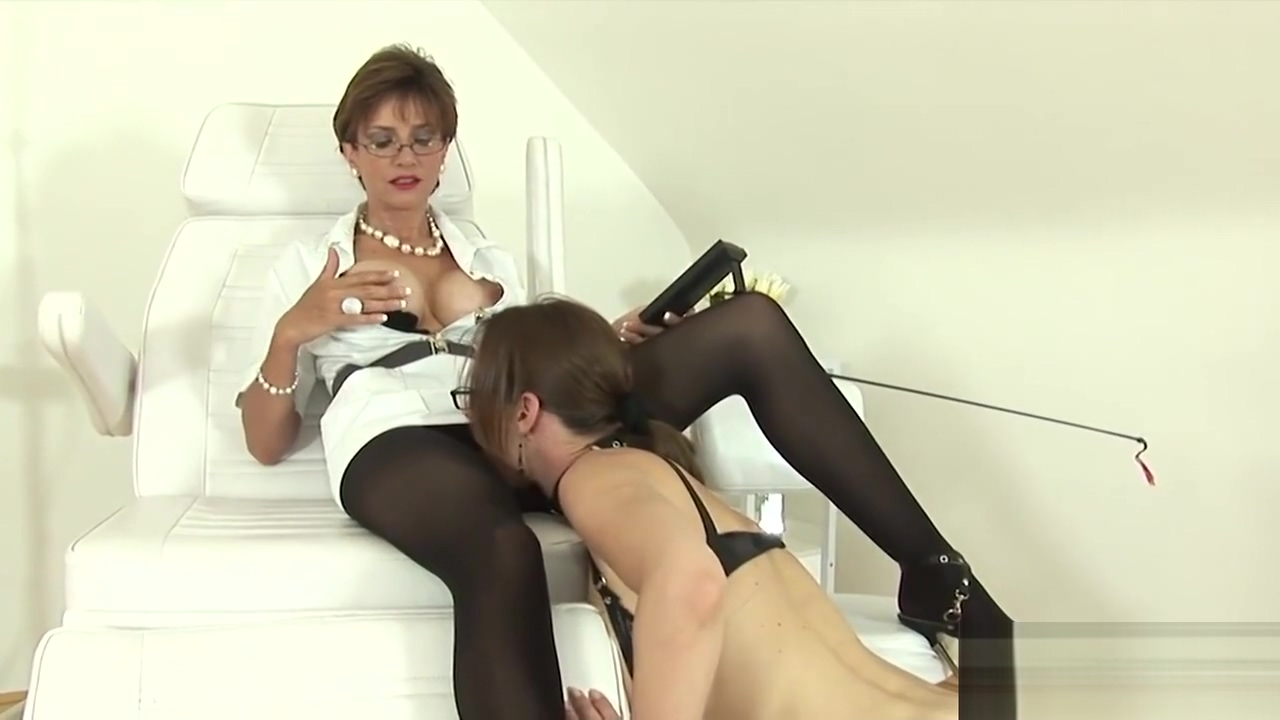Unfaithful british milf lady sonia displays her huge titties Sexy black pencil skirt