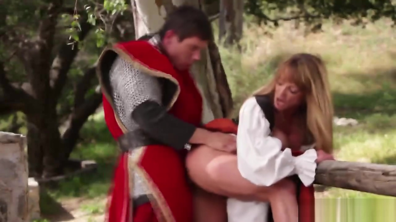 Knight fucks a princess in the outdoor action