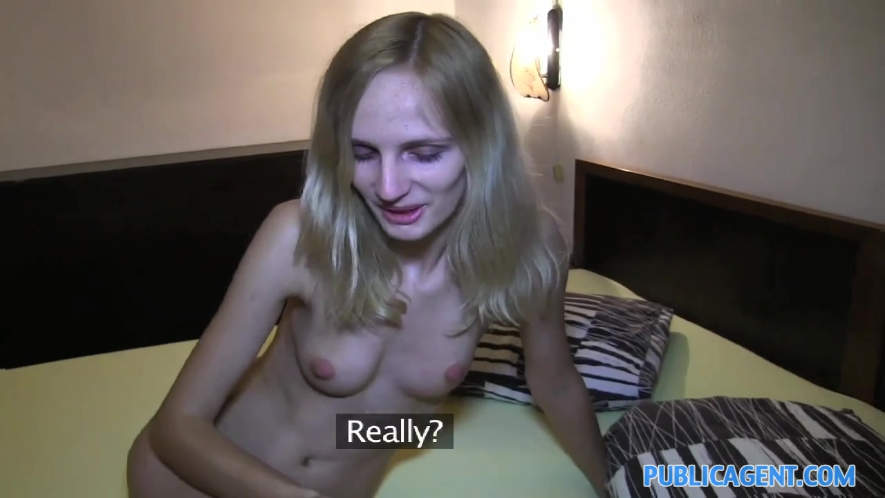 Nude pics Milf gets fucked in car