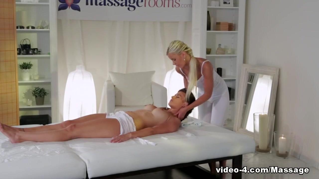 Sexy Neko maid