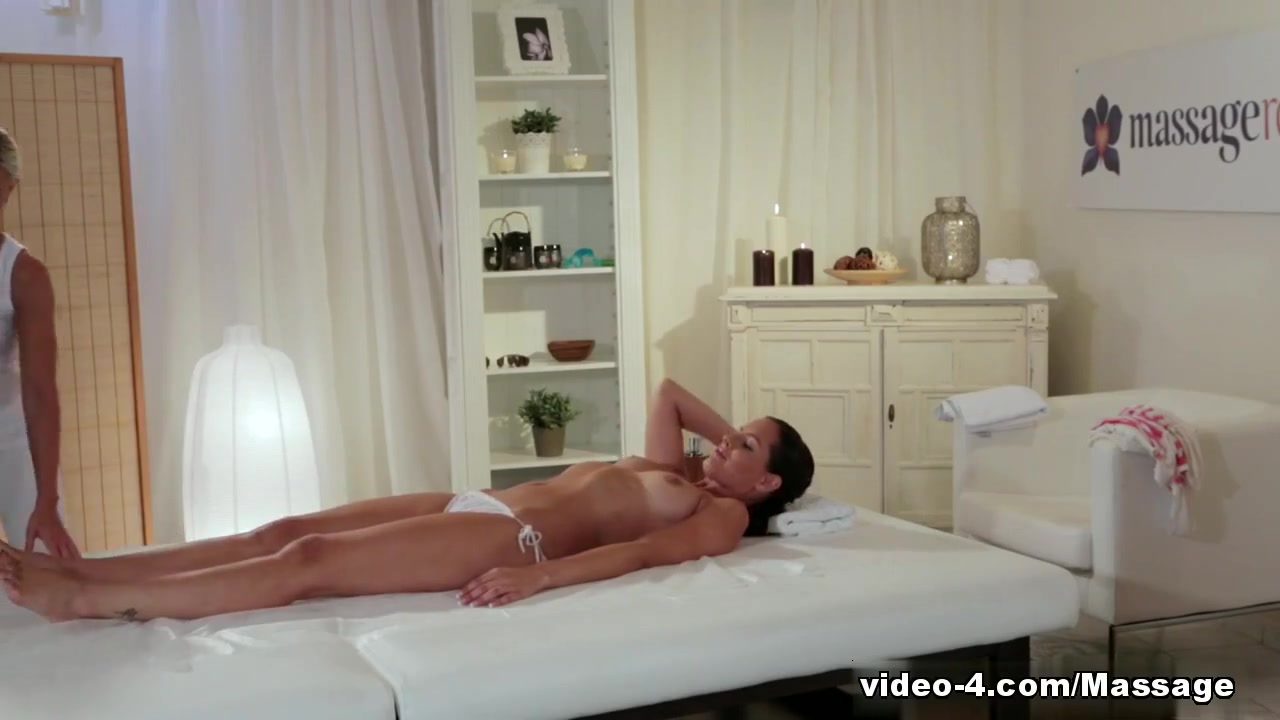 Hot Nude gallery Www our time com