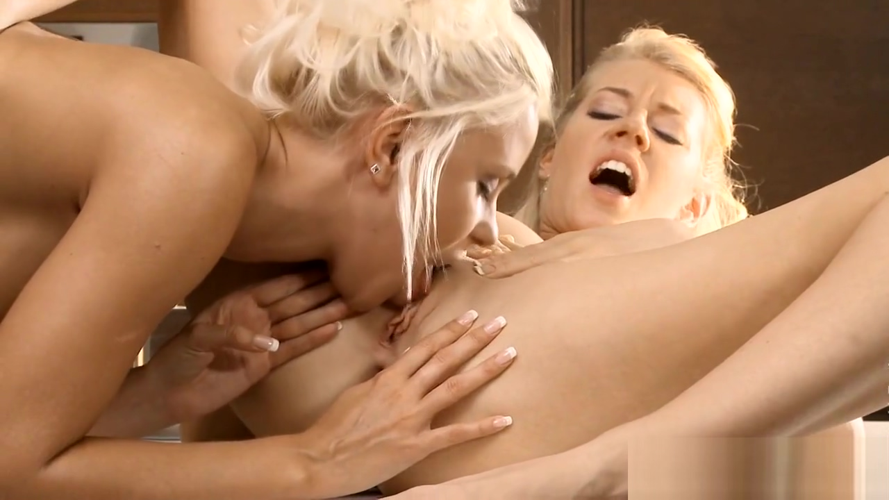 Lustful lesbos have fun Miley cyrus porn parody