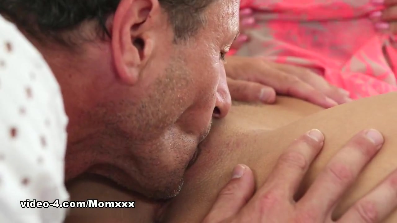 xXx Images Mature male bubble butt