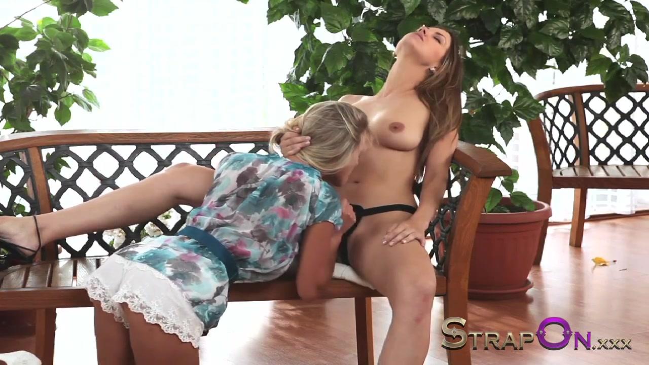 Lesbea porno Strapon sexe