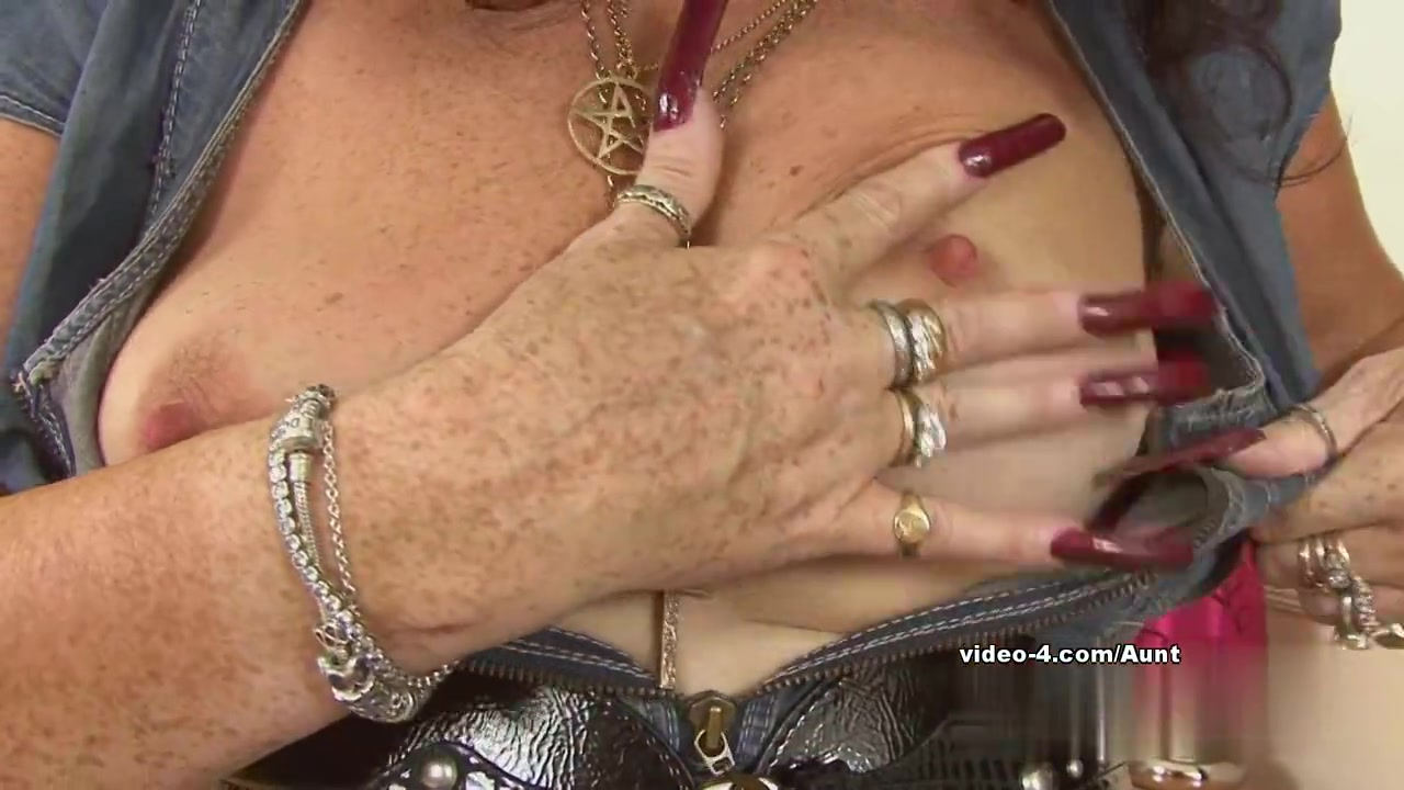 Bbw public masturbation in dressingroom Adult Videos