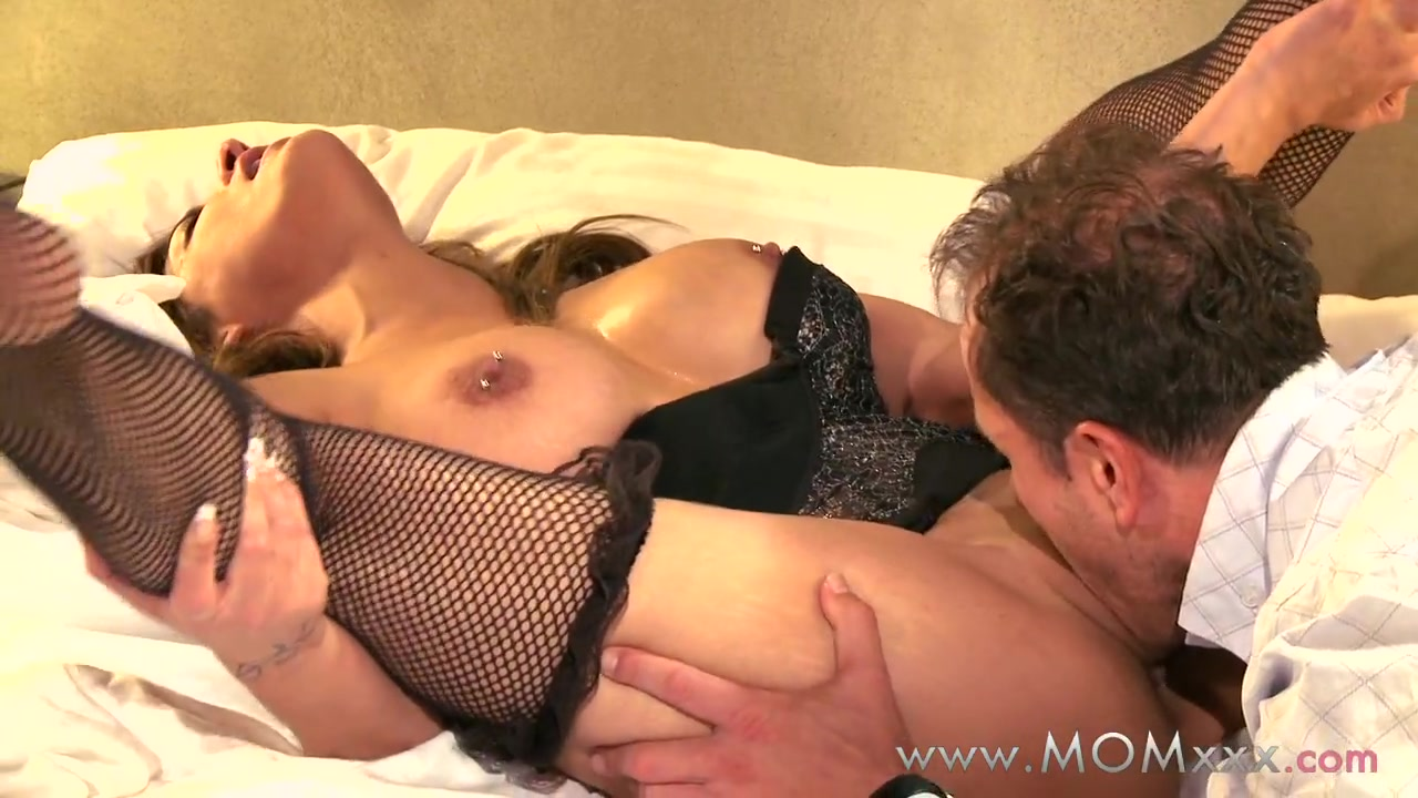 Porn clips Tracy Likes Eating Megans Shaved Pussy