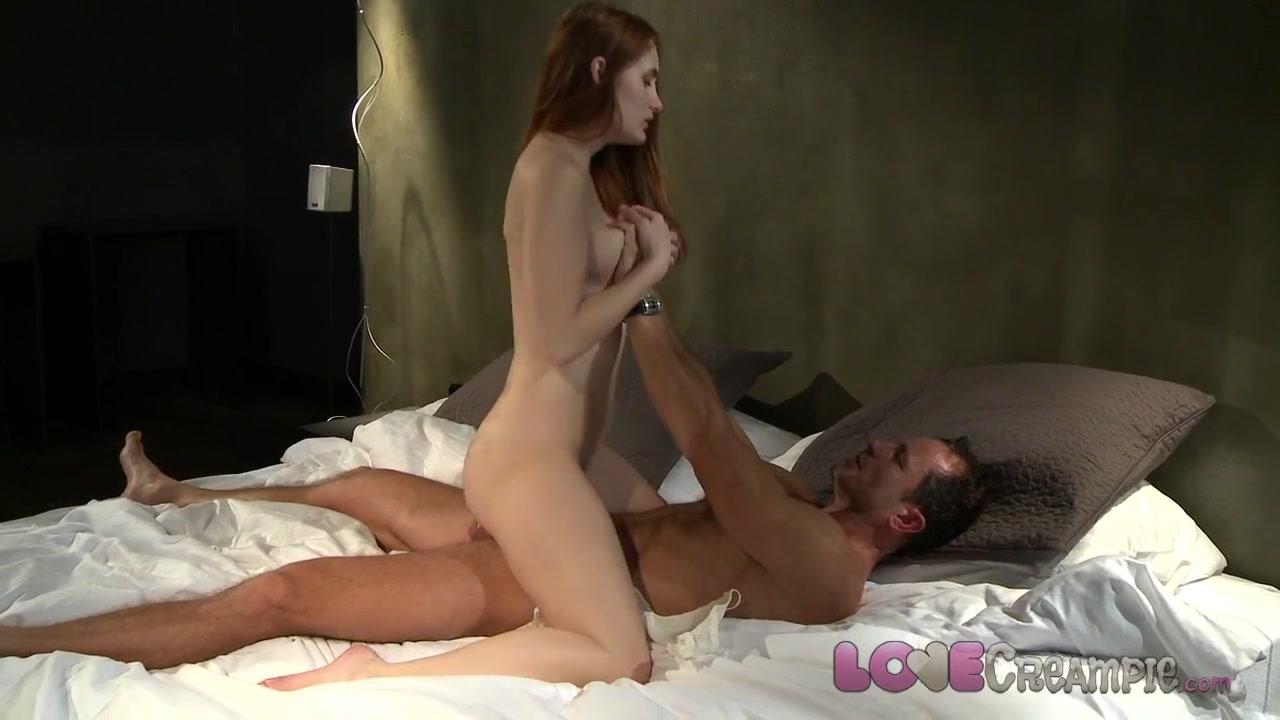 Amy Smith Busty Naked xXx Base pics