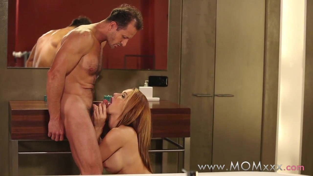 Sexy milfs in the shower Full movie