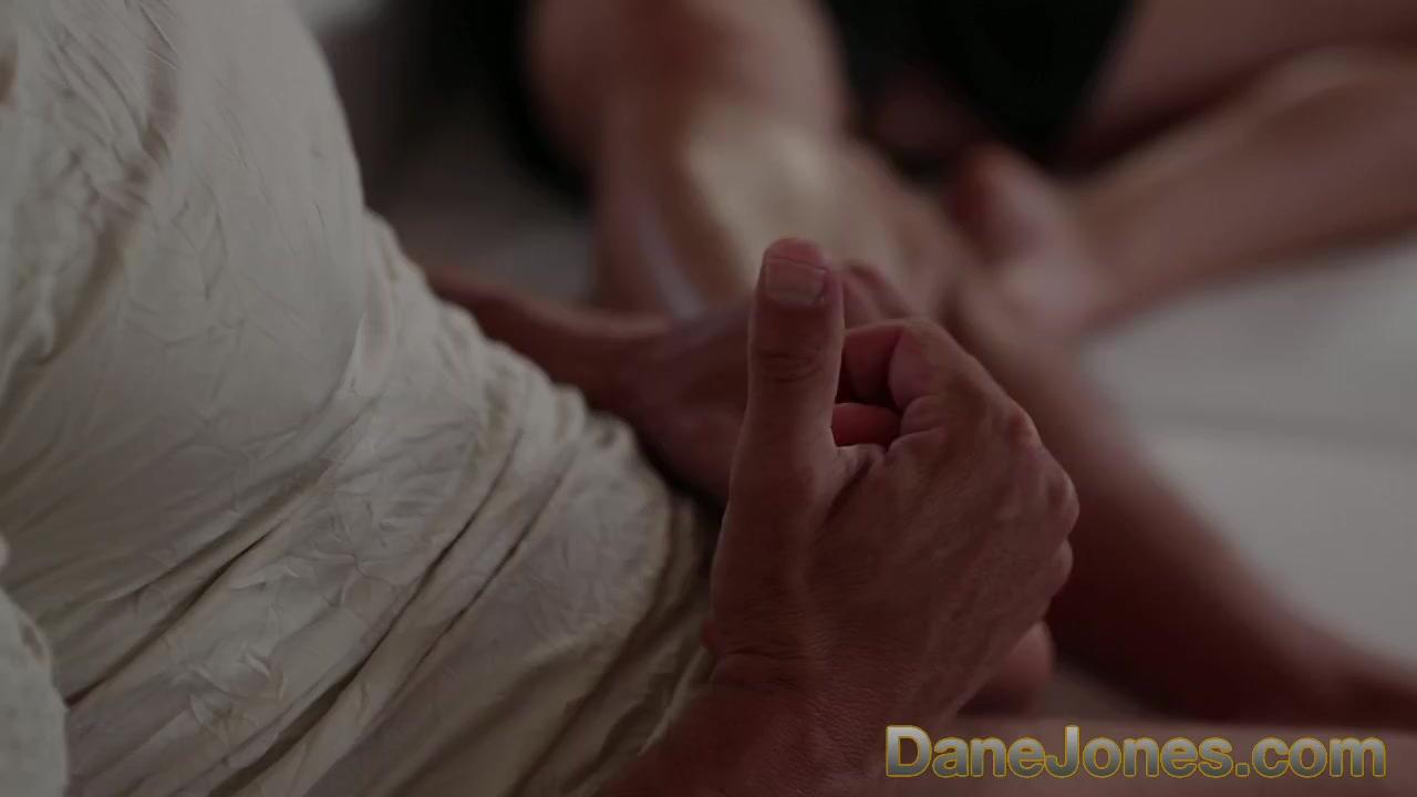 Qi shu nude porn image 18+ Galleries