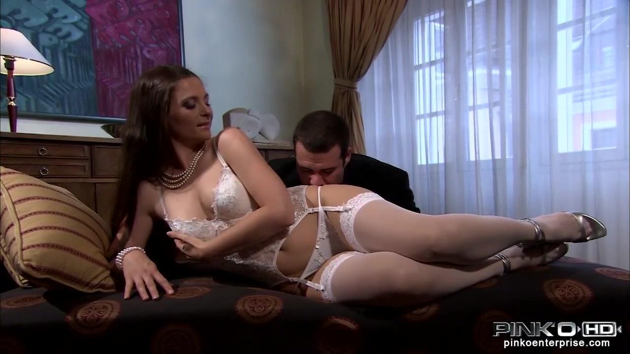 Porn Pics & Movies Daphne saggy boobs