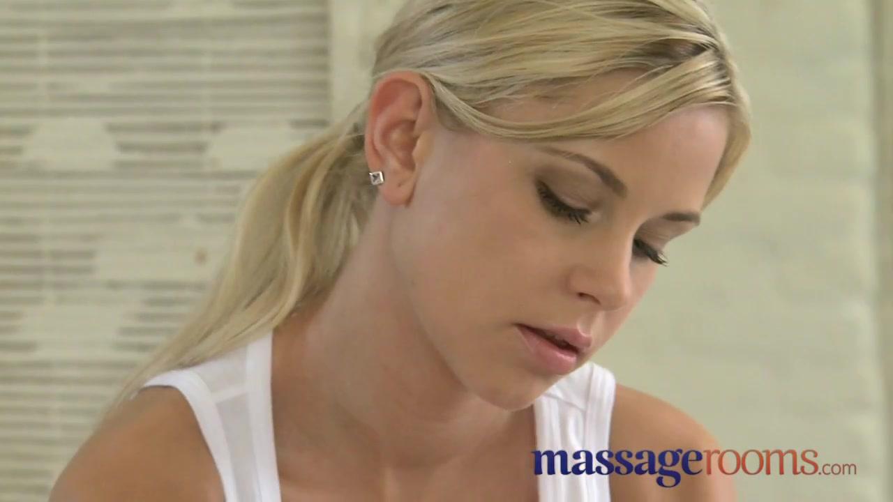 Lesbianas closeup masturbate Spanking