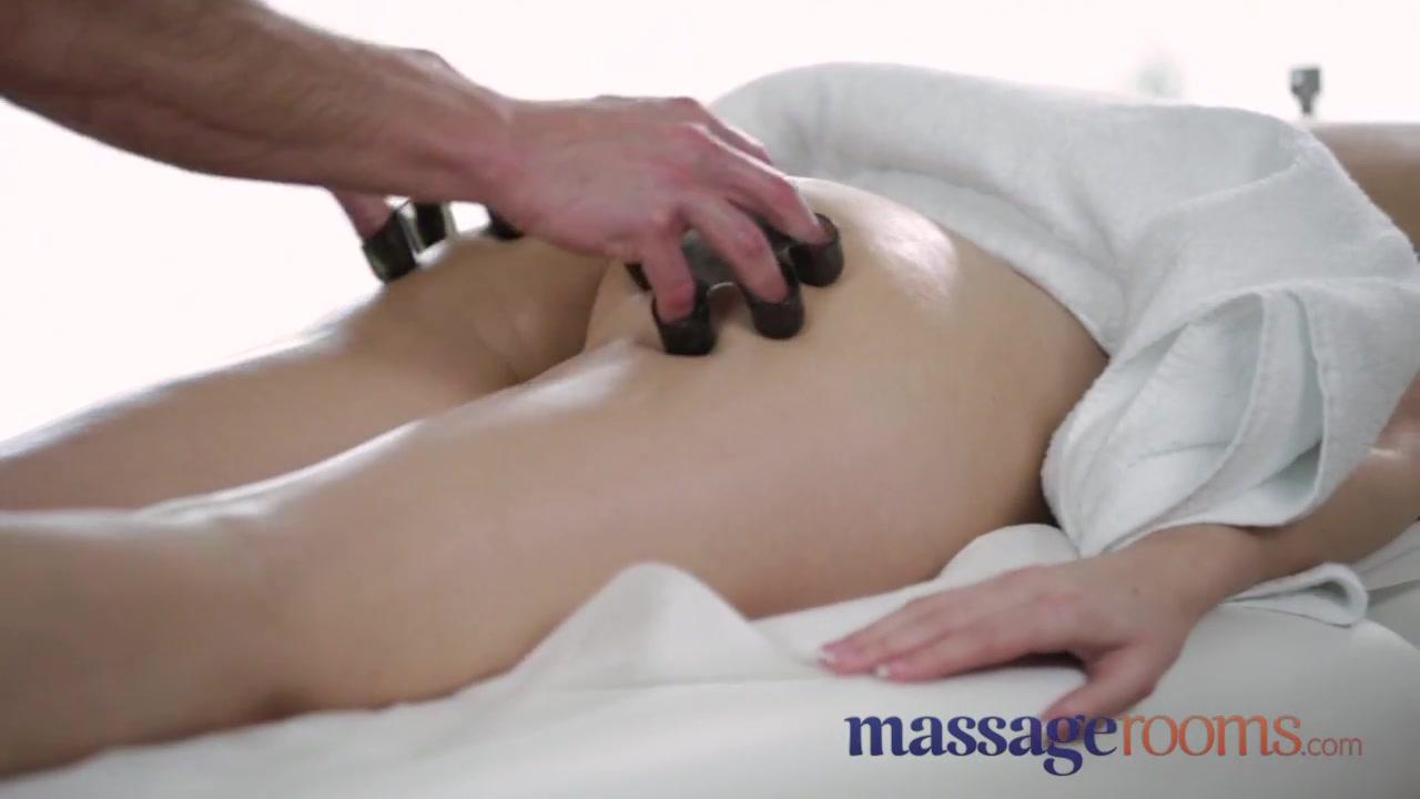 Porn clips Bruna marquezine dating