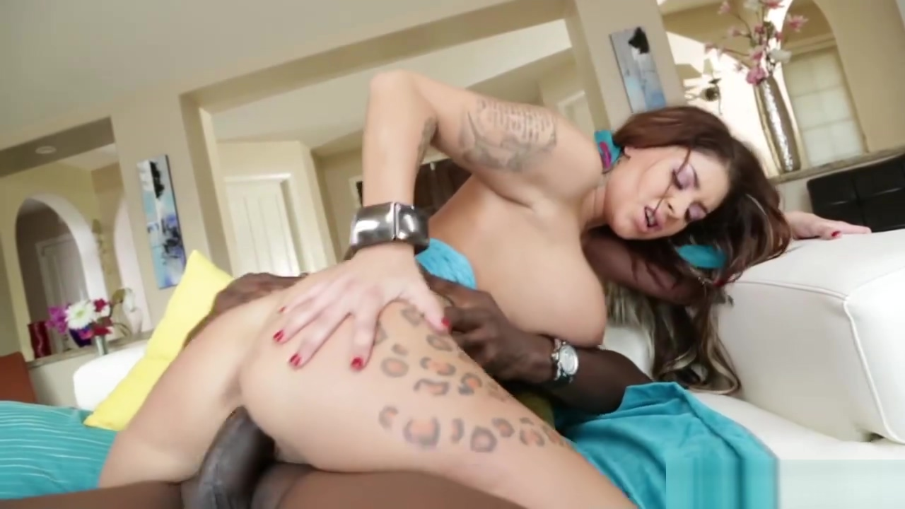 A hungry cock sucking MILF Brooke Ultra is in her wildest sexual college girl anal sex