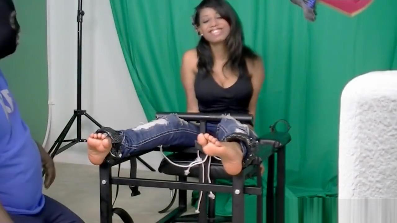 ticklish little feet Huge cock fucking tight pussy