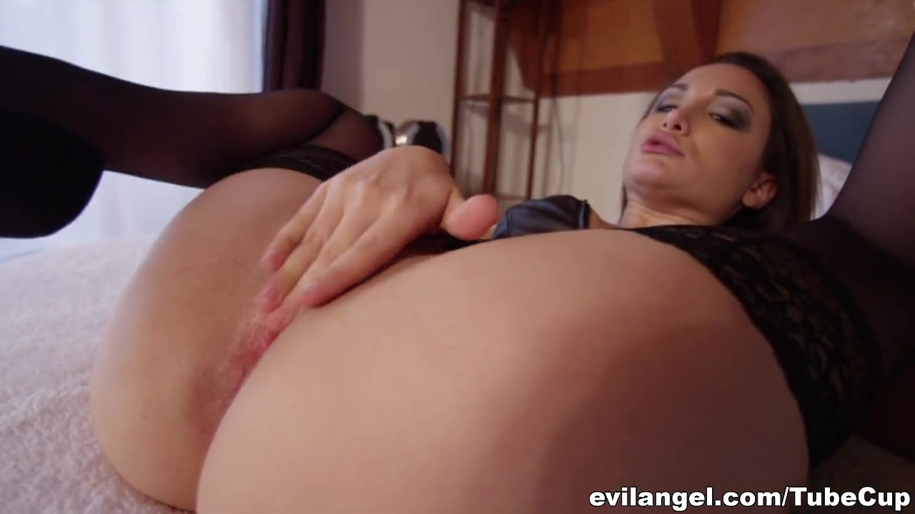 New xXx Video Women giving great blow jobs