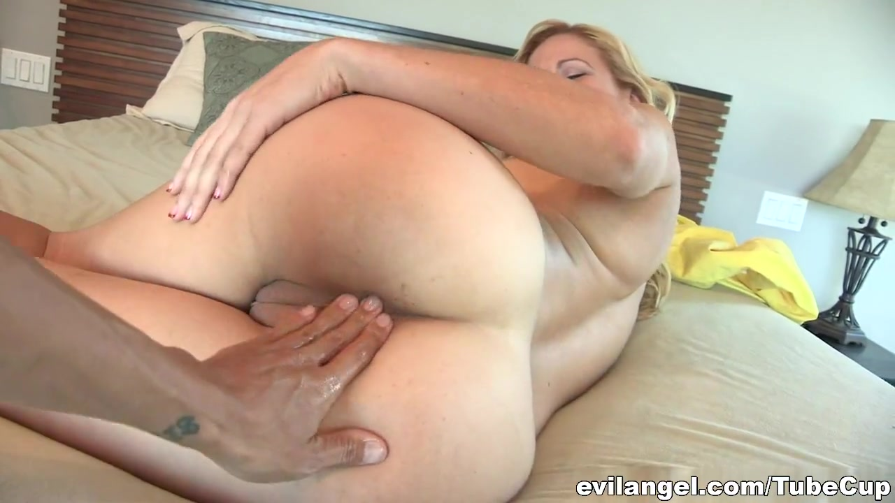 Tits Mature and big big ass