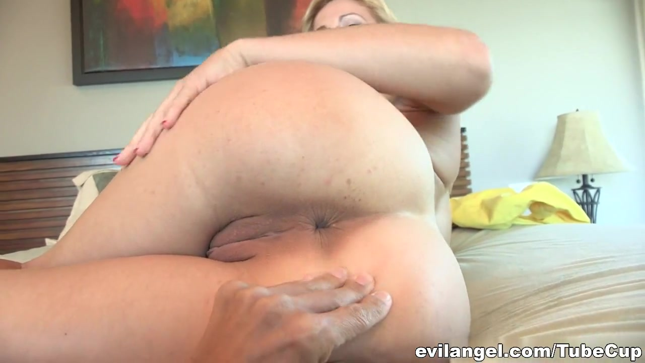 Pics Gallery Mom jerking son ass