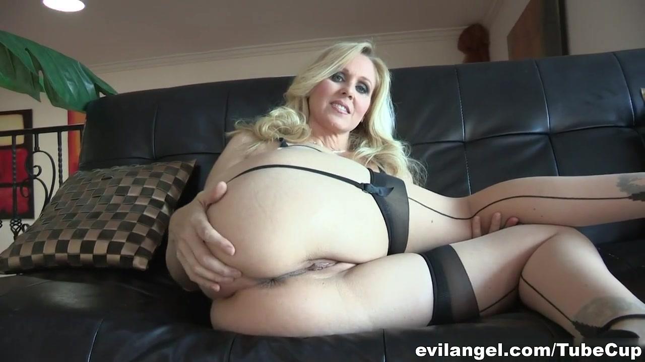 Vidieos fuckk Lesbain pornos