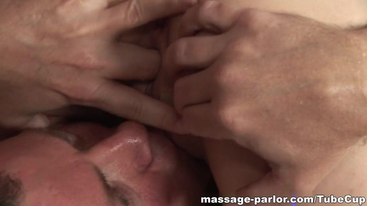 Do holder and linden hook up New porn
