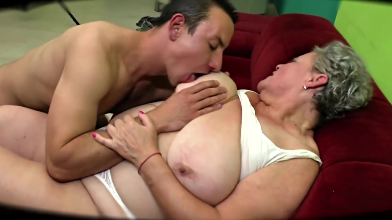 Chubby Greyhaired Granny Fucks Young Mate Short haired milfs nude