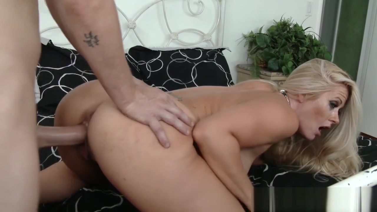 Cougarmama pussy pounded with young cock Big Dick Cumshot