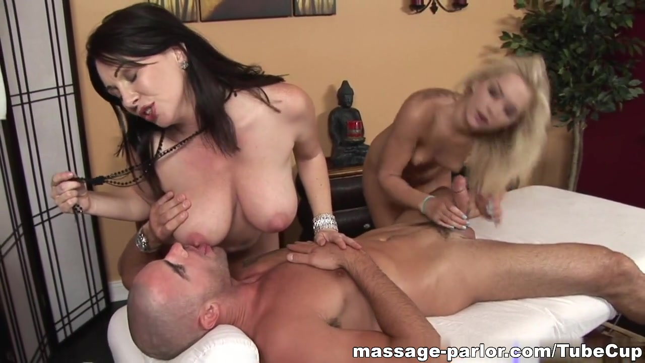 Porn Pics & Movies Club Pussy Licking