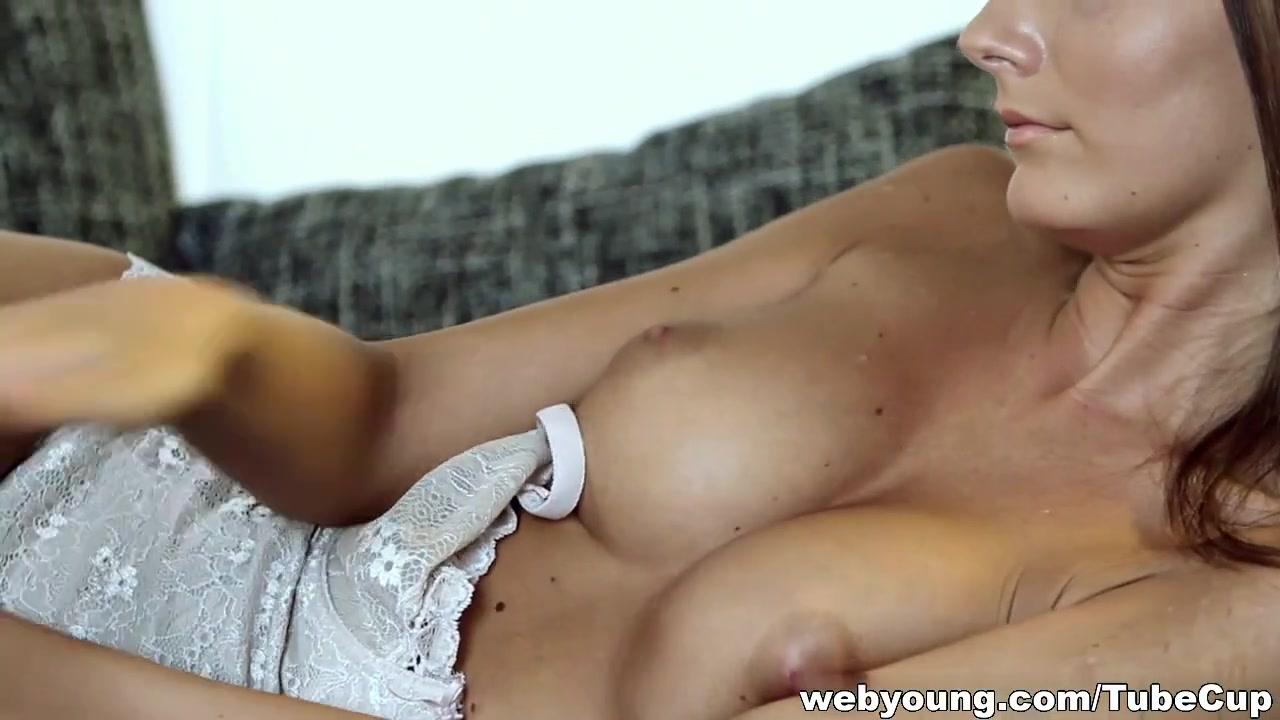 English milf sucking cock New xXx Video