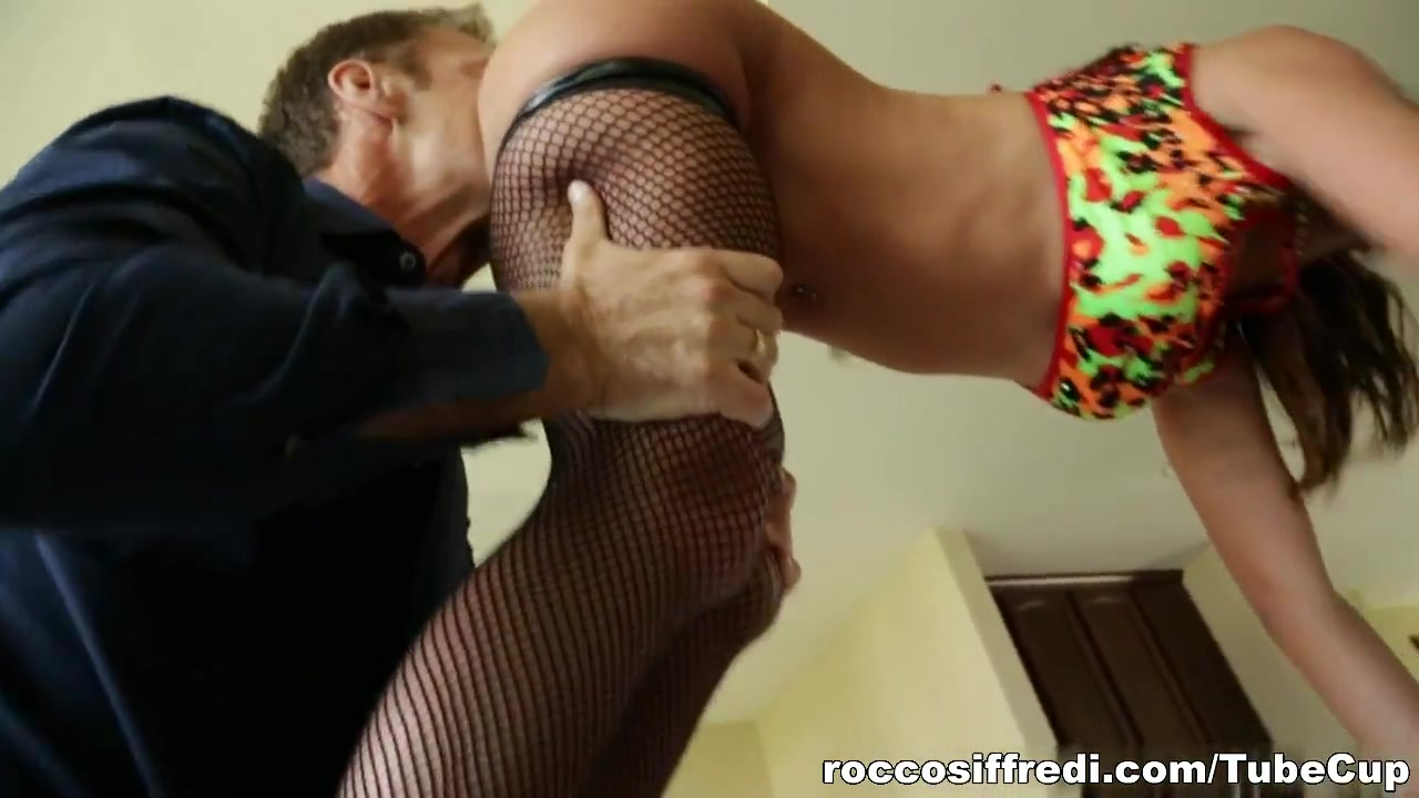 Girl sucking uncut penis 18+ Galleries