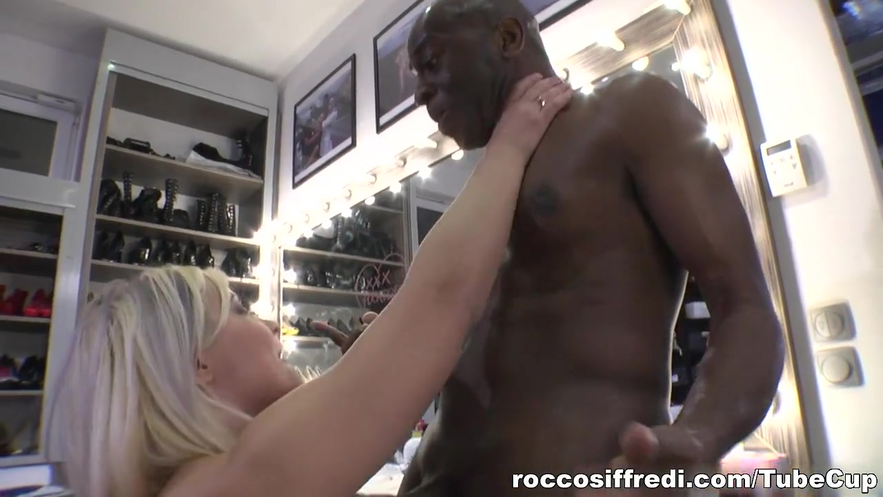 Mature red sucks licks rims black cock Porn clips