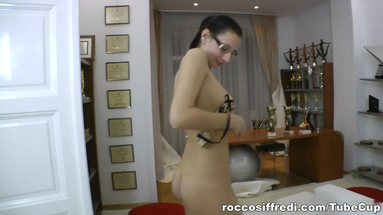 Quality porn Unconscious girls having sex videos download